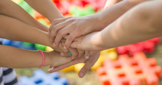 hands-2847508